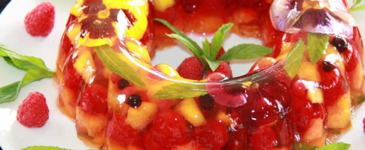 Gelatina Recheada de Frutas