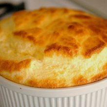 Receita, barata fácil e saborosa de suflê de milho e queijo