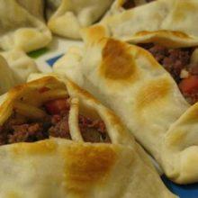 Aprenda a fazer essa delicia  pastéis árabes