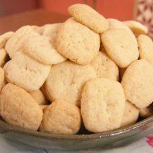 Biscoitos caseiros de nata.É dica maravilhosa para adoçar sua tarde