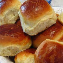 Como fazer bisnaguinha de padaria em casa? Aprenda receita