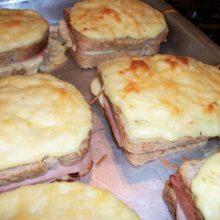 Aprenda a fazer esse delicioso  Lanche de forno.