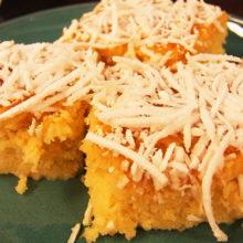 Caseiro, macio e molhadinho: receita de bolo toalha felpuda