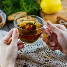 Chá-verde emagrece, mas qual é a maneira certa de tomar para que seja mais eficaz?