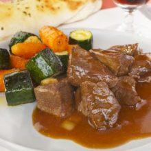 Aprenda a preparar o molho que vai deixar a carne vermelha mais saborosa!