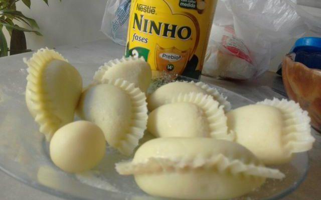 Receita de pastel de leite ninho delicioso