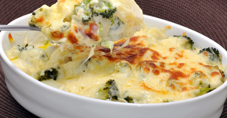Batata com brócolis ao forno: jantar  fácil e  saboroso