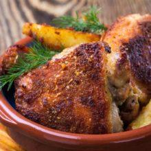 Essa receita de frango empanado com maionese é simplesmente muito deliciosa e fica bem em qualquer refeição!