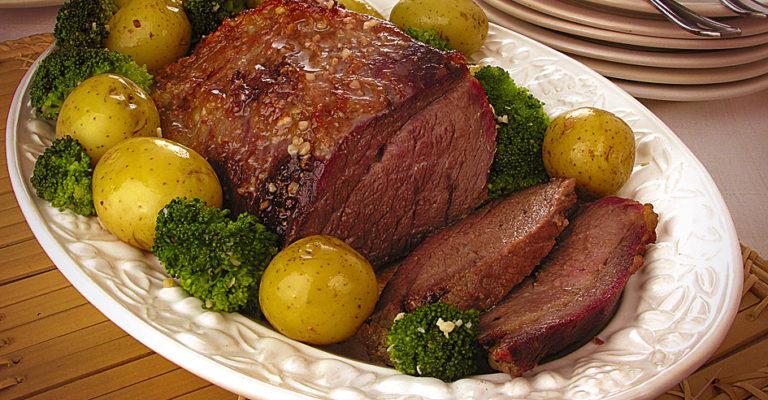 Dica para o fim de semana -Carne assada na cerveja com legumes