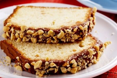 Confira a receita do Bolo rápido de amendoim