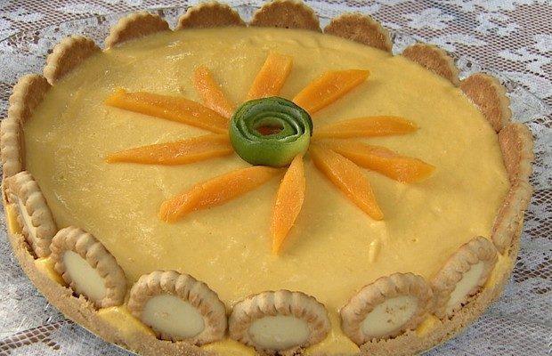 Torta de manga é uma sobremesa refrescante e fácil de preparar