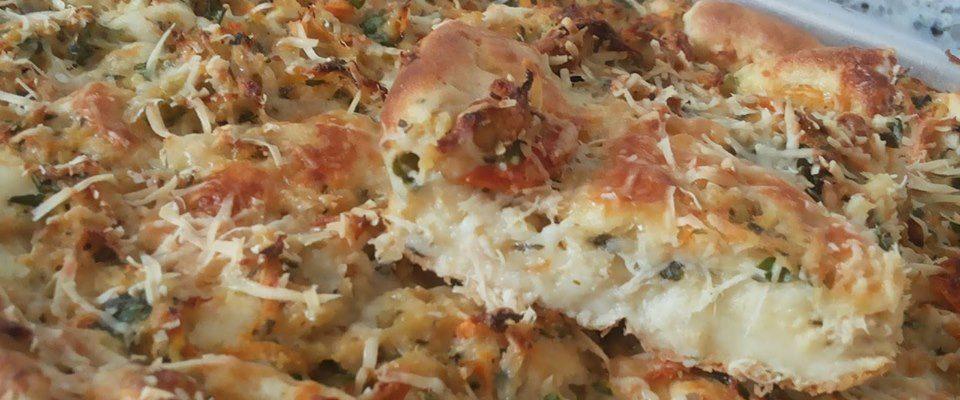 Torta de frango com requeijão ( com batata na massa )