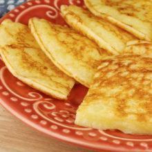Todo mundo vai amar esta receita de pão de queijo na frigideira