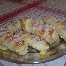 Enroladinho de queijo com coco