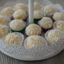 Deliciosos Beijinhos de Coco, aprenda como fazer