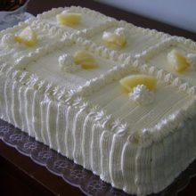 Bolo de abacaxi com mel