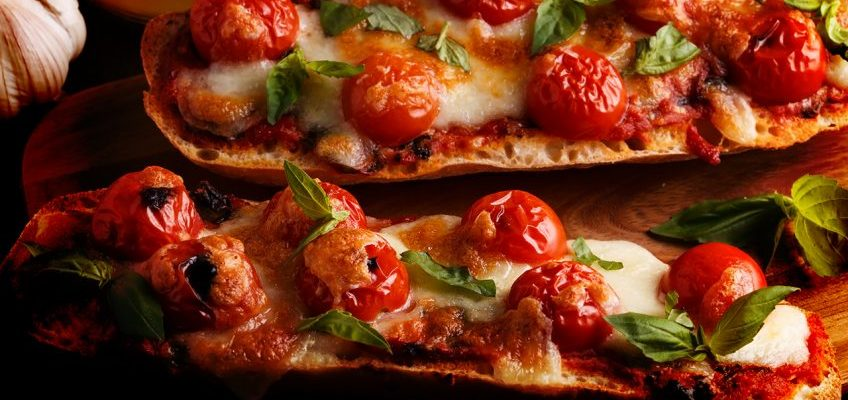 Baguete de Tomate e Mussarela ao Forno