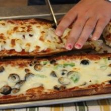 Pizza rápida e simples com pão françês que é sucesso na familia