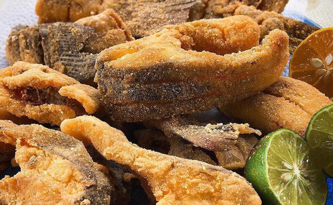 Peixe frito e sequinho que dá água na boca