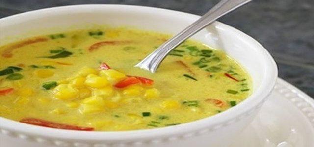 4 Espigas faz uma deliciosa sopa de milho com requeijão
